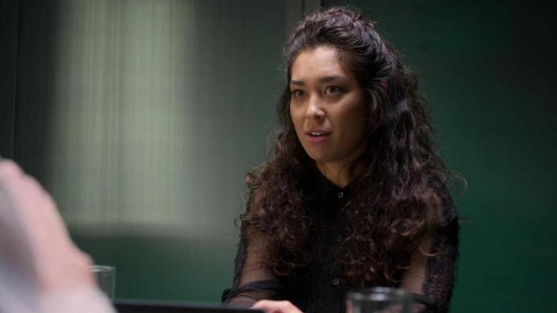 Luana Tanaka como Olivia